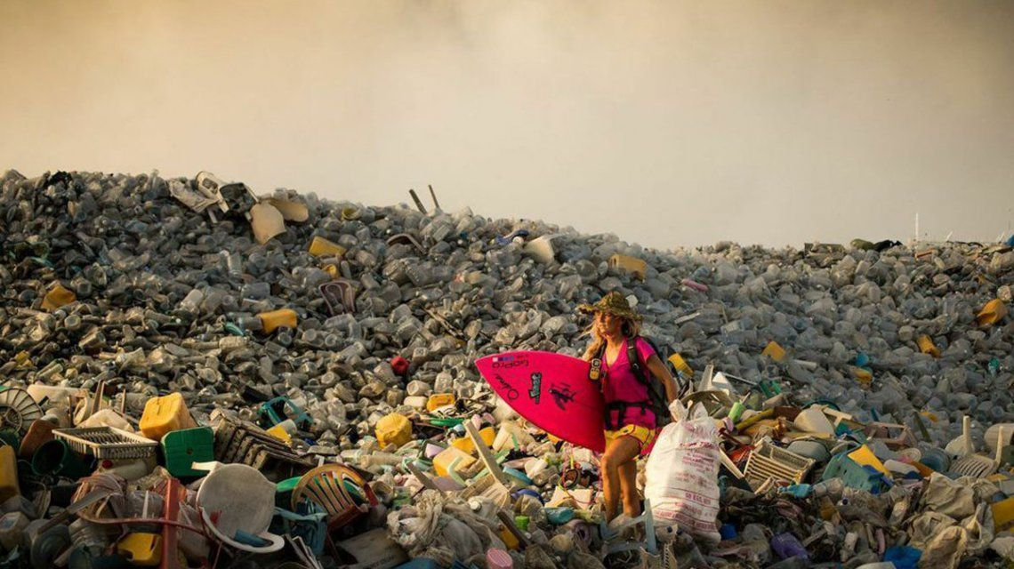 Buscan que la Isla de la Basura sea el 196º país del mundo