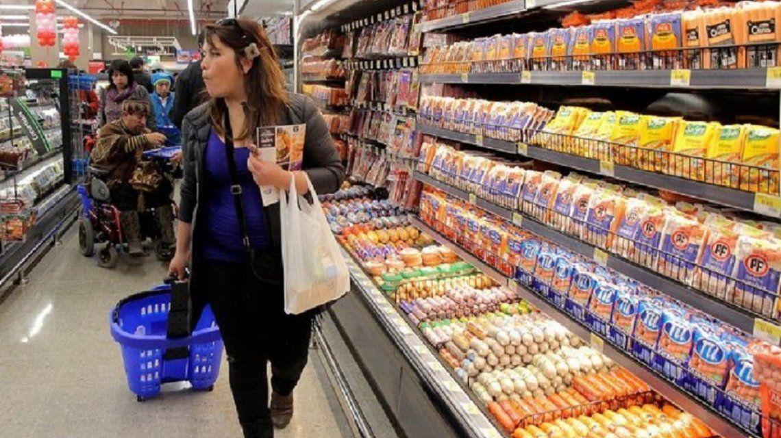 LA INFLACIÓN TREPÓ AL 4,7% EN MARZO Y ACUMULÓ UN AUMENTO DEL 54,7% EN UN AÑO