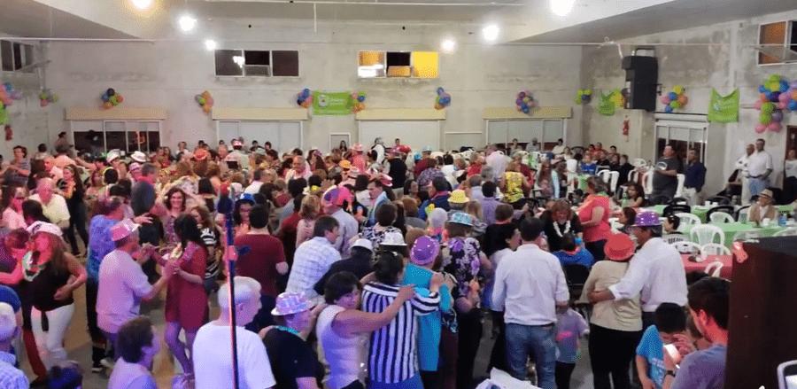 GONZÁLEZ MORENO RECIBIÓ EL BAILE DE JUBILADOS