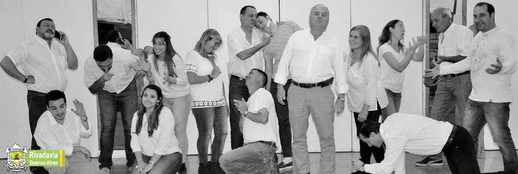 TEATRO SOLIDARIO A BENEFICIO DE BOMBEROS VOLUNTARIOS DE RIVADAVIA