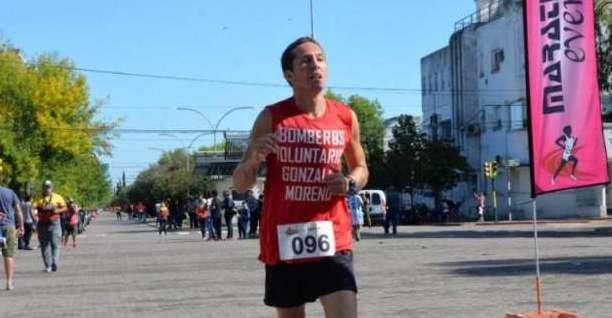 GONZALO ORONÁ GANÓ LA CARRERA INICIAL DEL PICO RUNNING