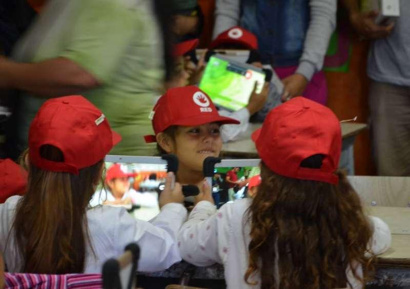 RIVADAVIA: EL PROGRAMA RED ES RECONOCIDO EN EL PAIS COMO EL ÚNICO QUE DURANTE 9 AÑOS CONSECUTIVOS ENTREGA UNA NETBOOKS/TABLETS POR NIÑO