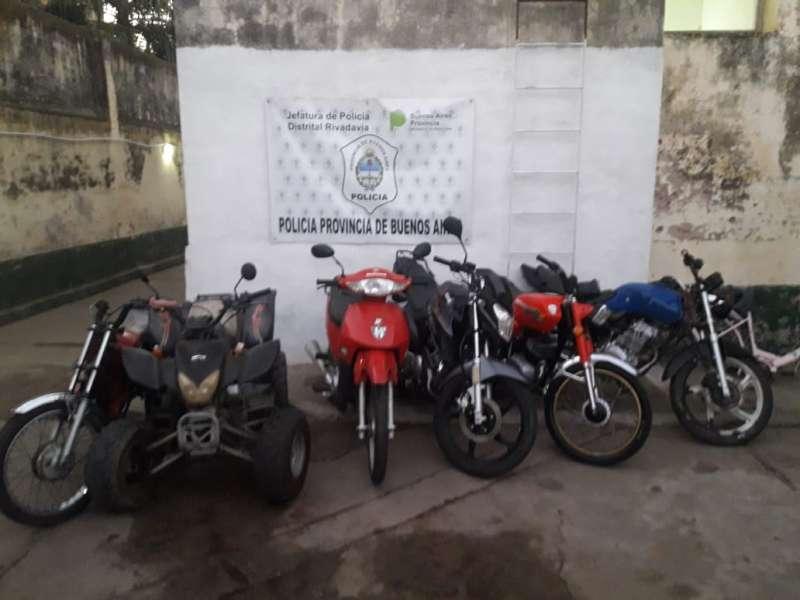 LA POLICÍA RECUPERÓ DOS MOTOCICLETAS QUE HABÍAN SIDO SUSTRAÍDAS. HAY UN MENOR IMPUTADO.