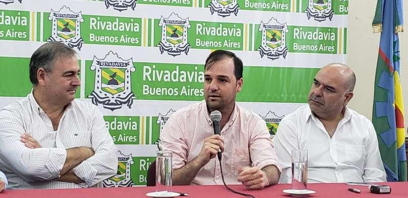 RIVADAVIA FIRMÓ ACTA COMPROMISO CON LA RED DE MUNICIPIOS COOPERATIVOS