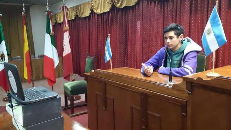 ALUMNO RIVADAVIENSE PRESELECCIONADO A NIVEL NACIONAL PARA SER PARTE DE CHARLAS TED
