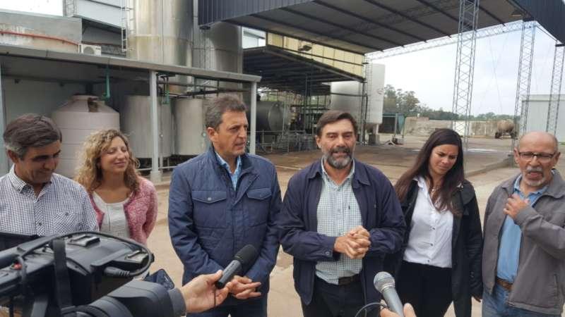 MASSA VISITÓ AMÉRICA Y BRINDÓ SU APOYO A POLICANO