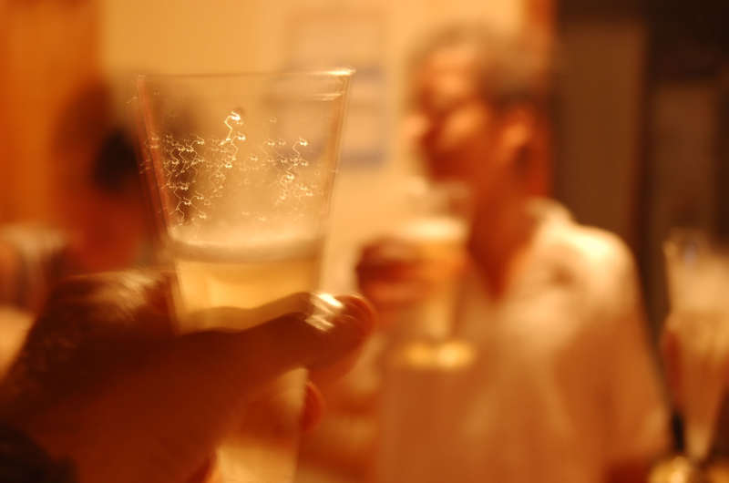 CASI LA MITAD DE LOS CHICOS EMPIEZA A CONSUMIR ALCOHOL ENTRE LOS 12 Y LOS 15 AÑOS