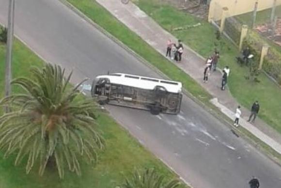 FACUNDO TABORDA Y VARIOS COMPAÑEROS DEL ATENAS DE SAN CARLOS SUFRIERON UN ACCIDENTE AUTOMOVILÍSTICO