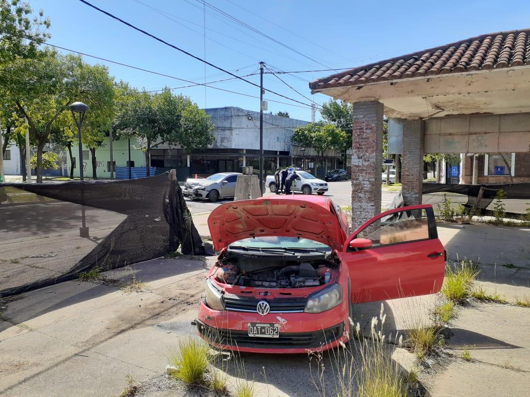 FUERTE CHOQUE EN LA ESQUINA DE MORENO Y MAIPÚ